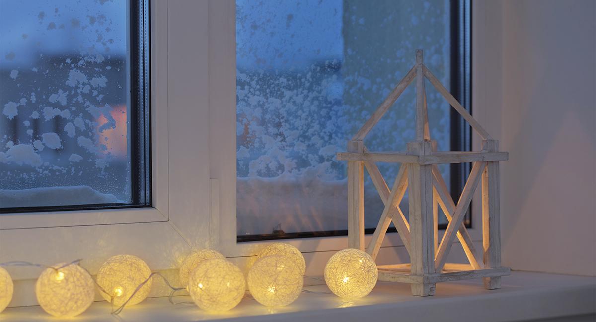 Оформление окна к Новому году