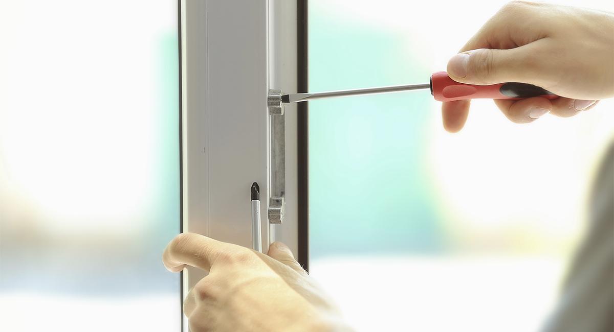 Зазоры в окнах: технология устранения